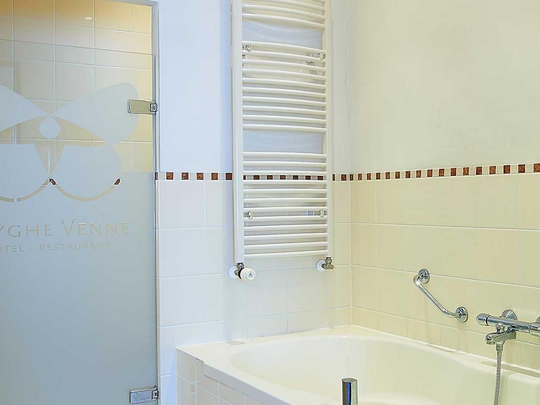 hotel drenthe badkamer westerbork