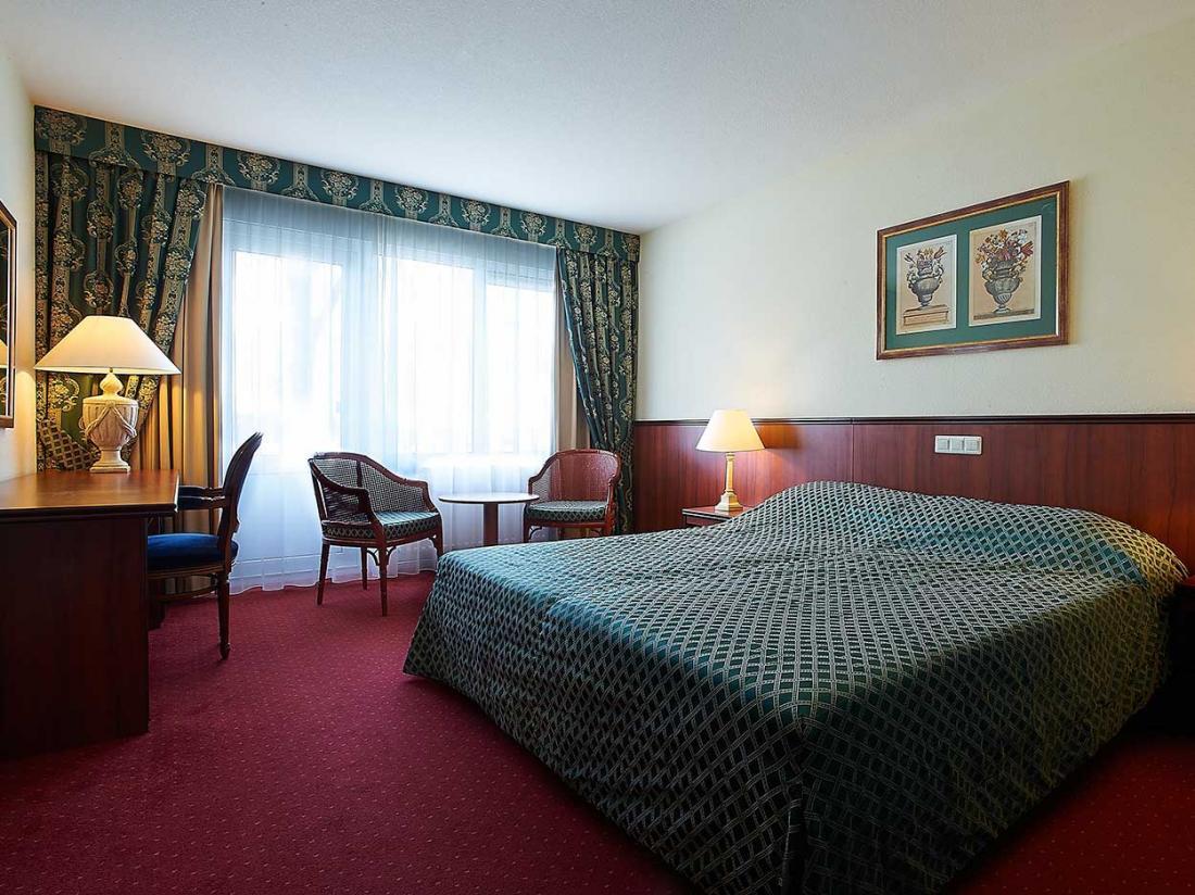 luxe hotelkamer westerbork drenthe