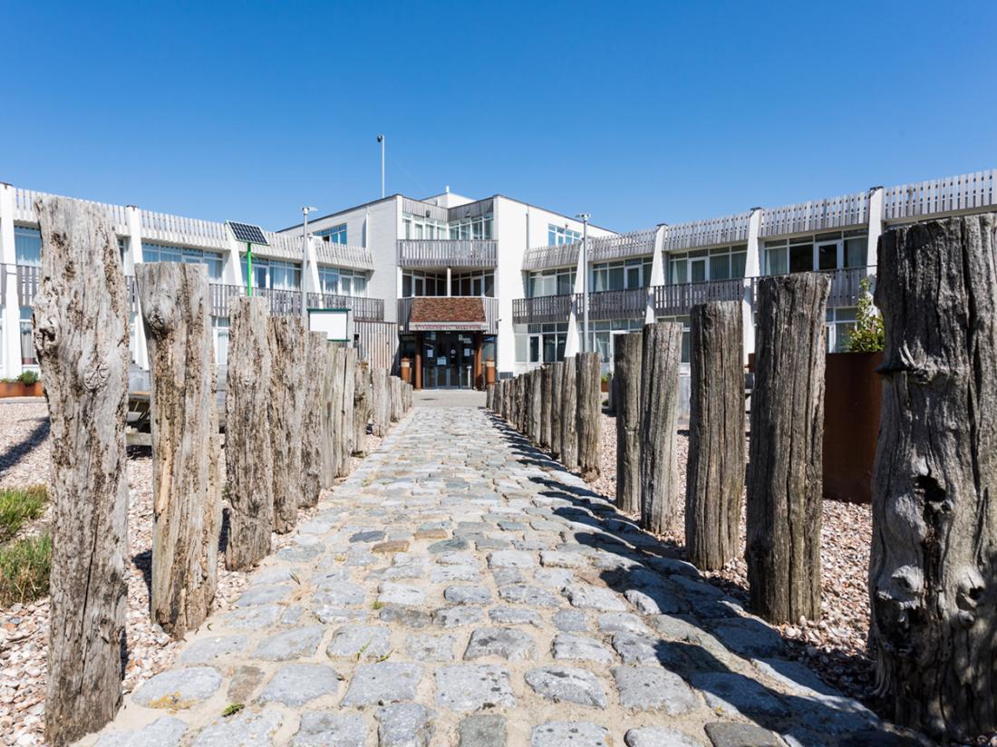 Strandhotel Westduin Weekendjeweg Zeeland Buitenaanzicht