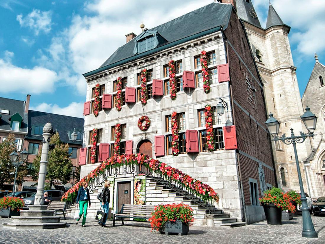 Stadshuis Limburg Bilzen Hotel omgeving