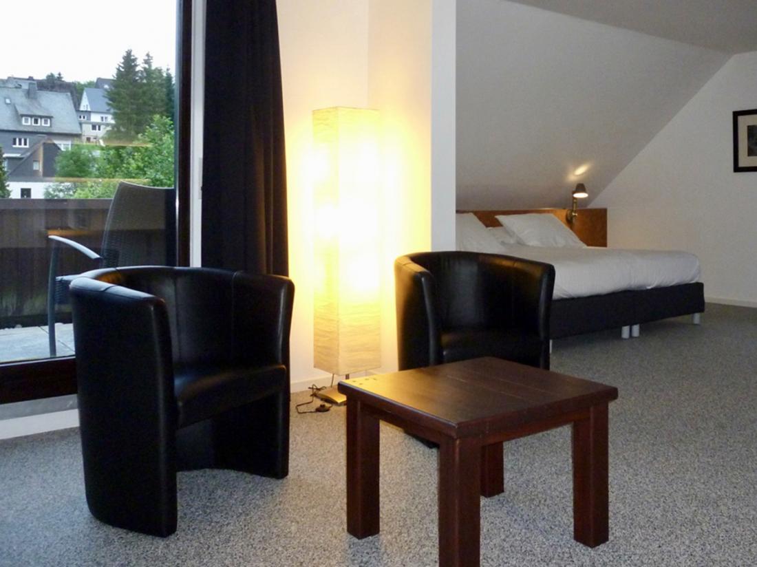 Weekendjeweg Winterberg Junior Suite Zitje