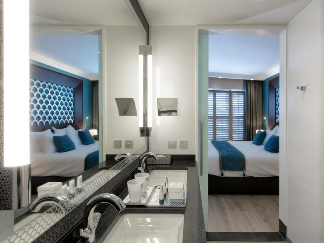 weekendjeweg roermond dux hotelkamer