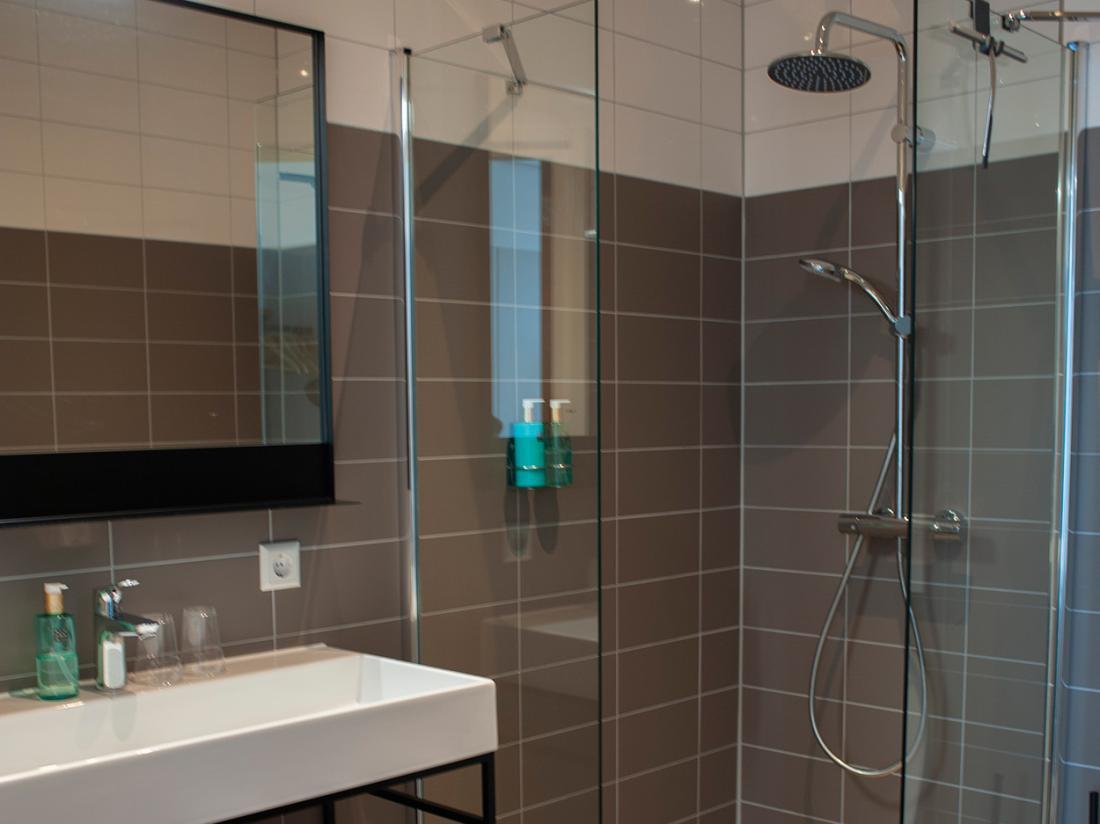 Hotel de Boshoek Voorthuizen Badkamer 2 en 4 persoons luxe hotelkamer