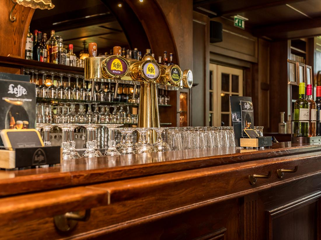 Berghotel Vue Hotel Limburg Weekendjeweg Bar Tap