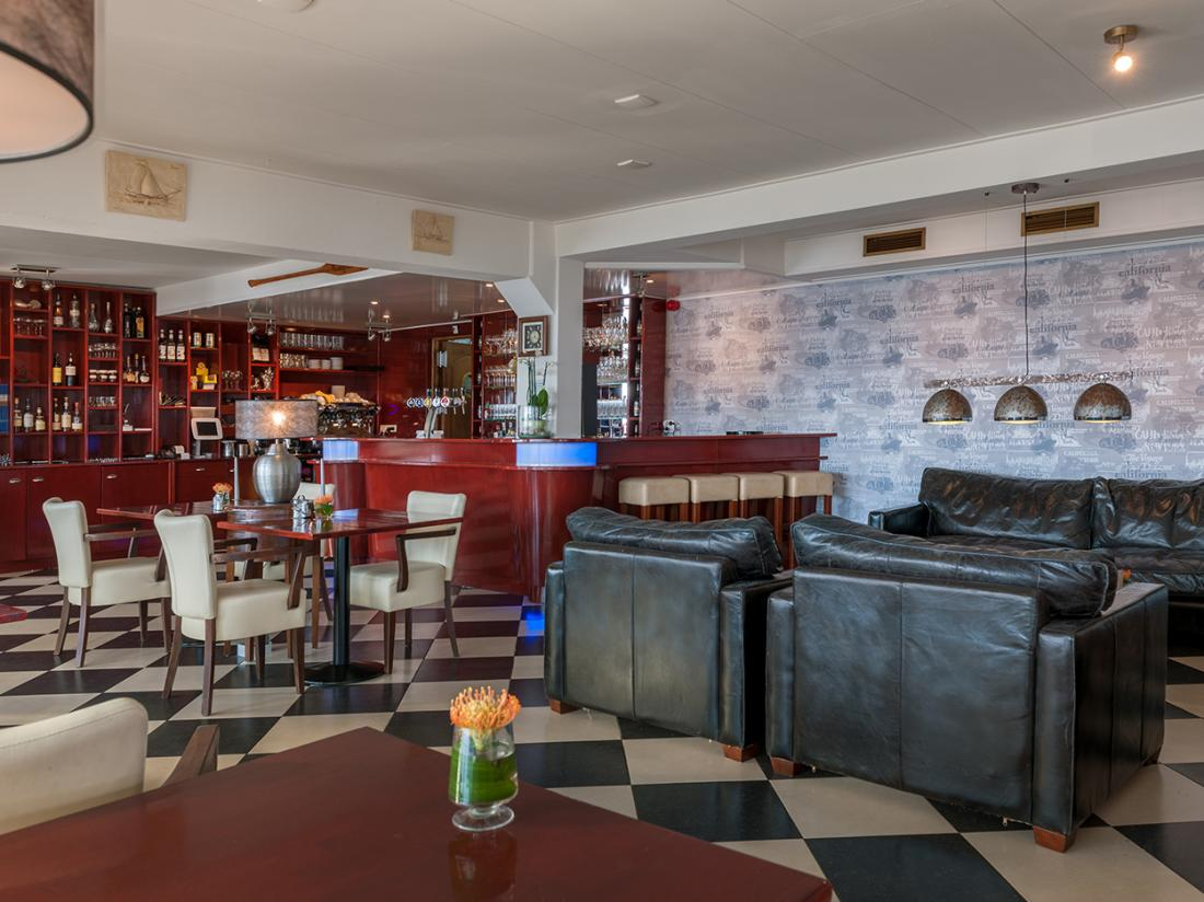 Hotel De Boegschroef Delfzijl Weekendjeweg Restaurant Bar
