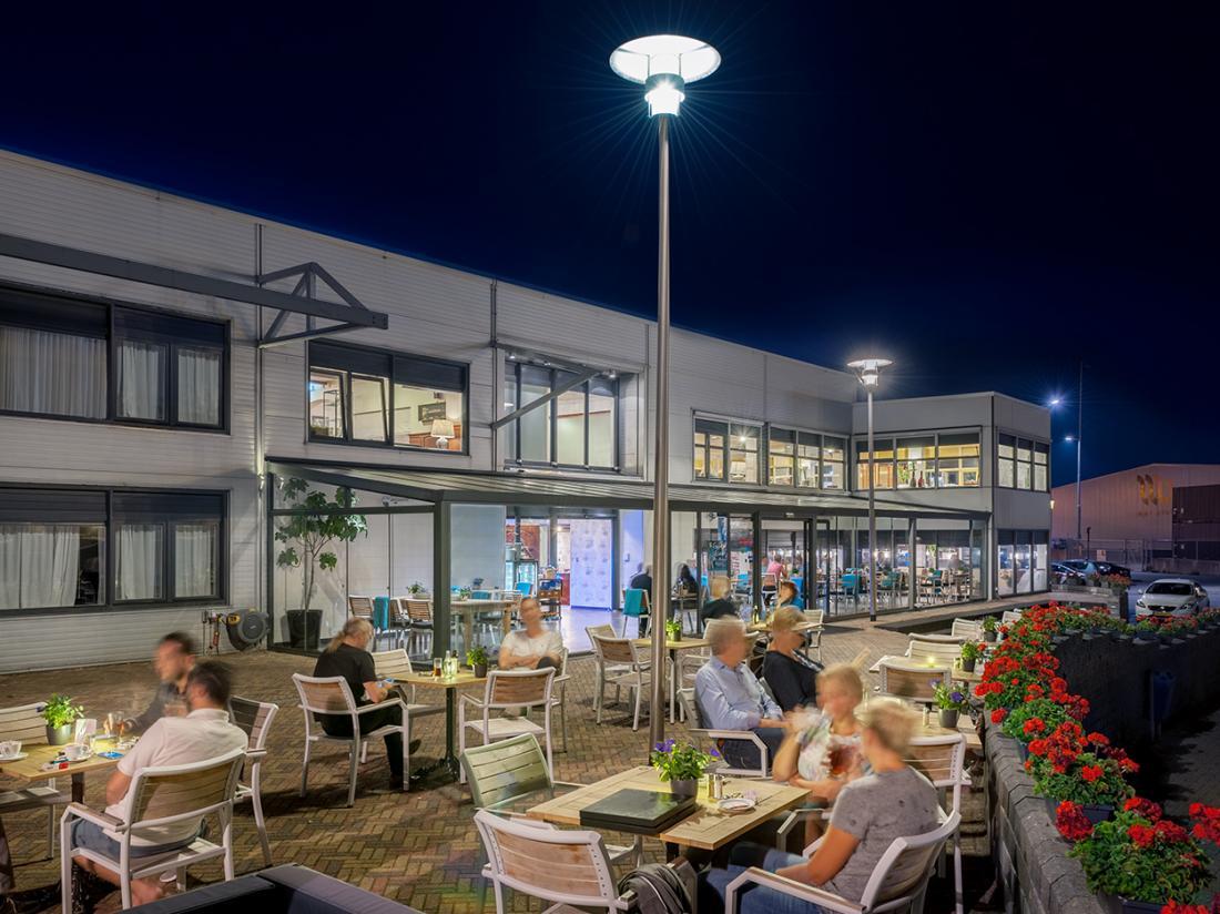 Hotel De Boegschroef Delfzijl Weekendjeweg Terras