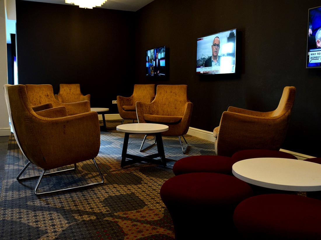 Golden Tulip West Ende Brabant Weekendjeweg Hotelaanbieding Lounge