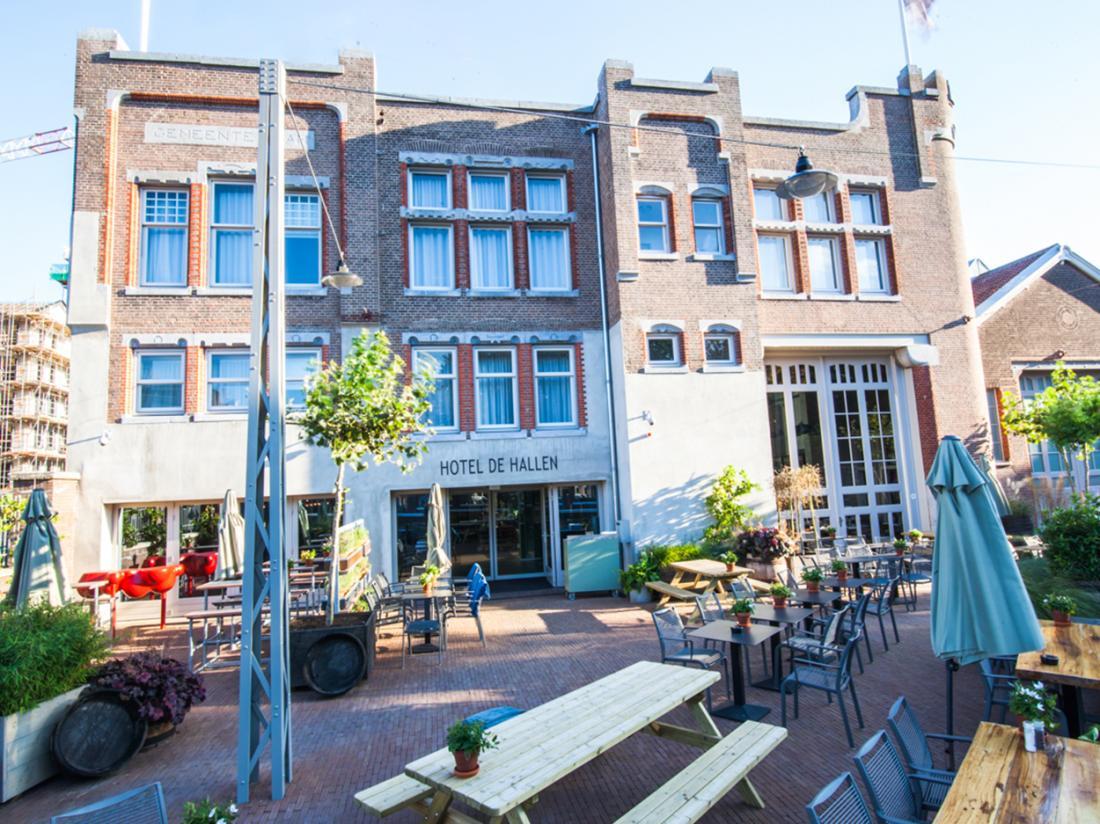 Hotel de Hallen Amsterdam Weekendjeweg Entree