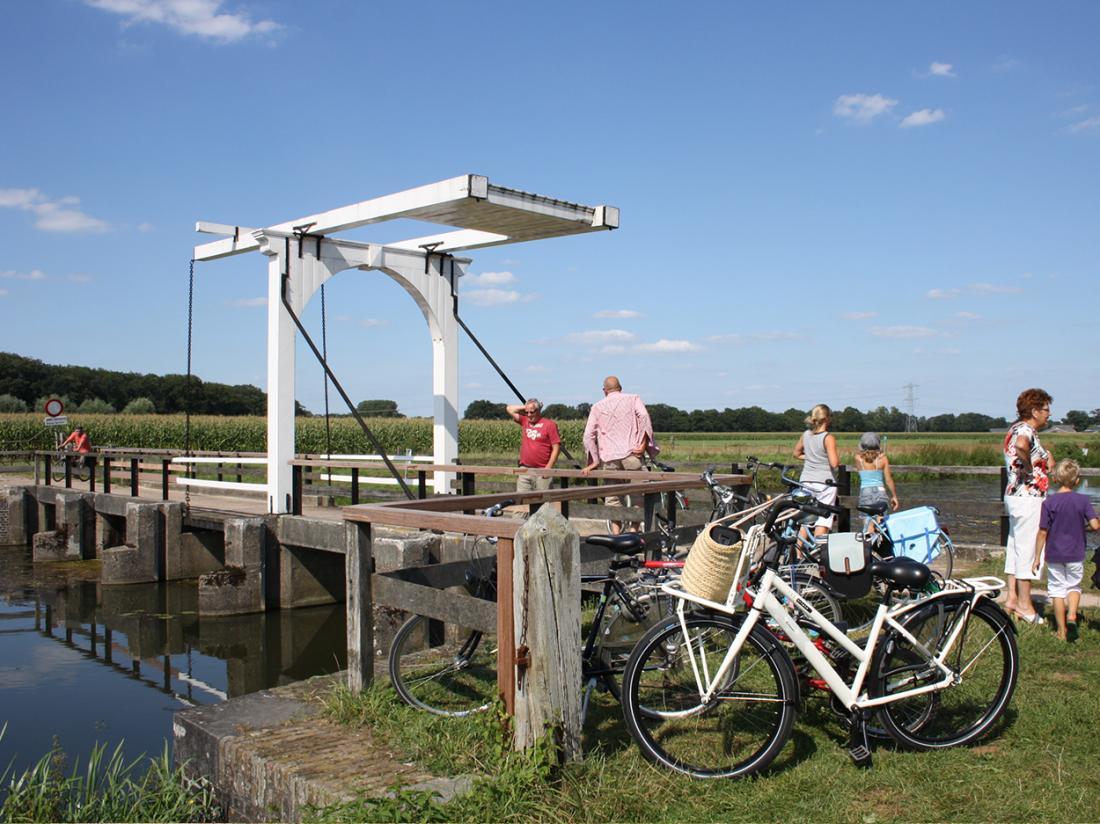 brug fietsers fietsvakantie achterhoek