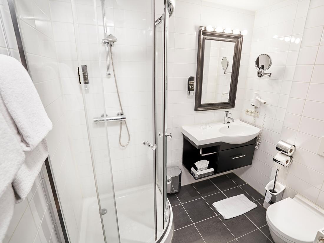 Saillant Hotel Gulpenerland Limburg badkamer