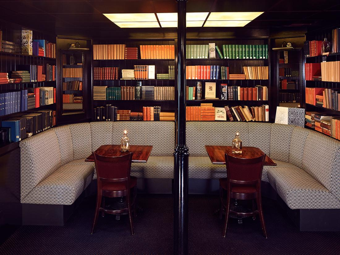 Badhotel Renesse Hotel Lounge Boekenkast
