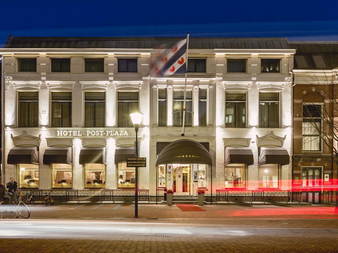 Aanzicht Hotel Post Plaza Friesland