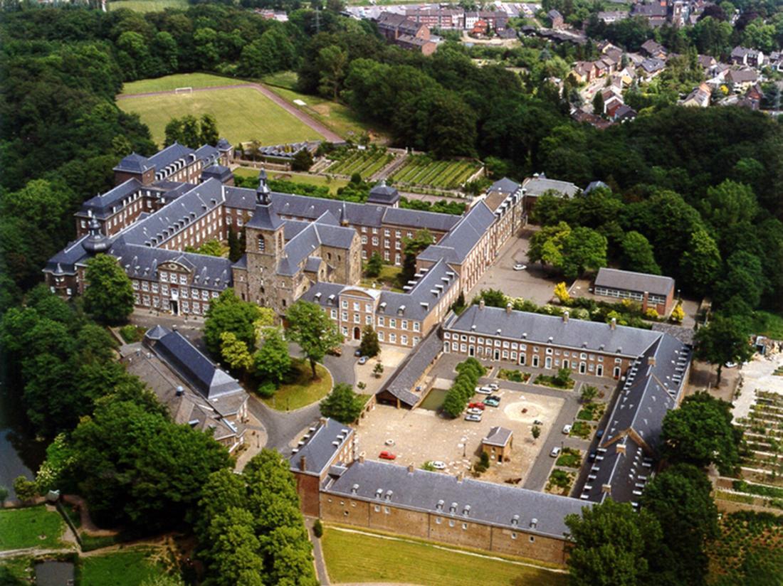 Hotel Abdij Rolduc Limburg Bovenaanzicht