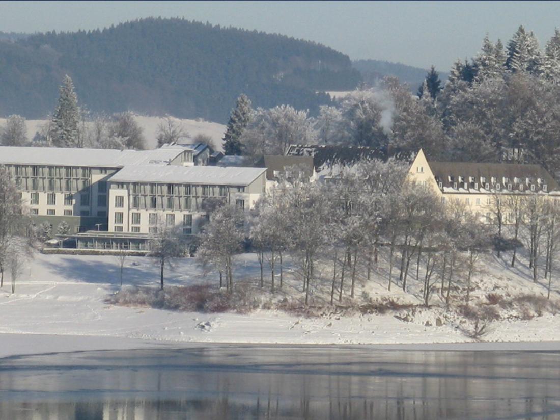 Weekendjeweg Meschede Mennesee winter hotel