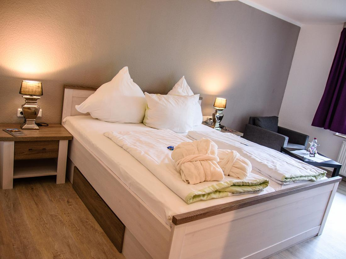 Das Loft Hotel Willingen Hotelovernachting Tweepersoonskamer Bed