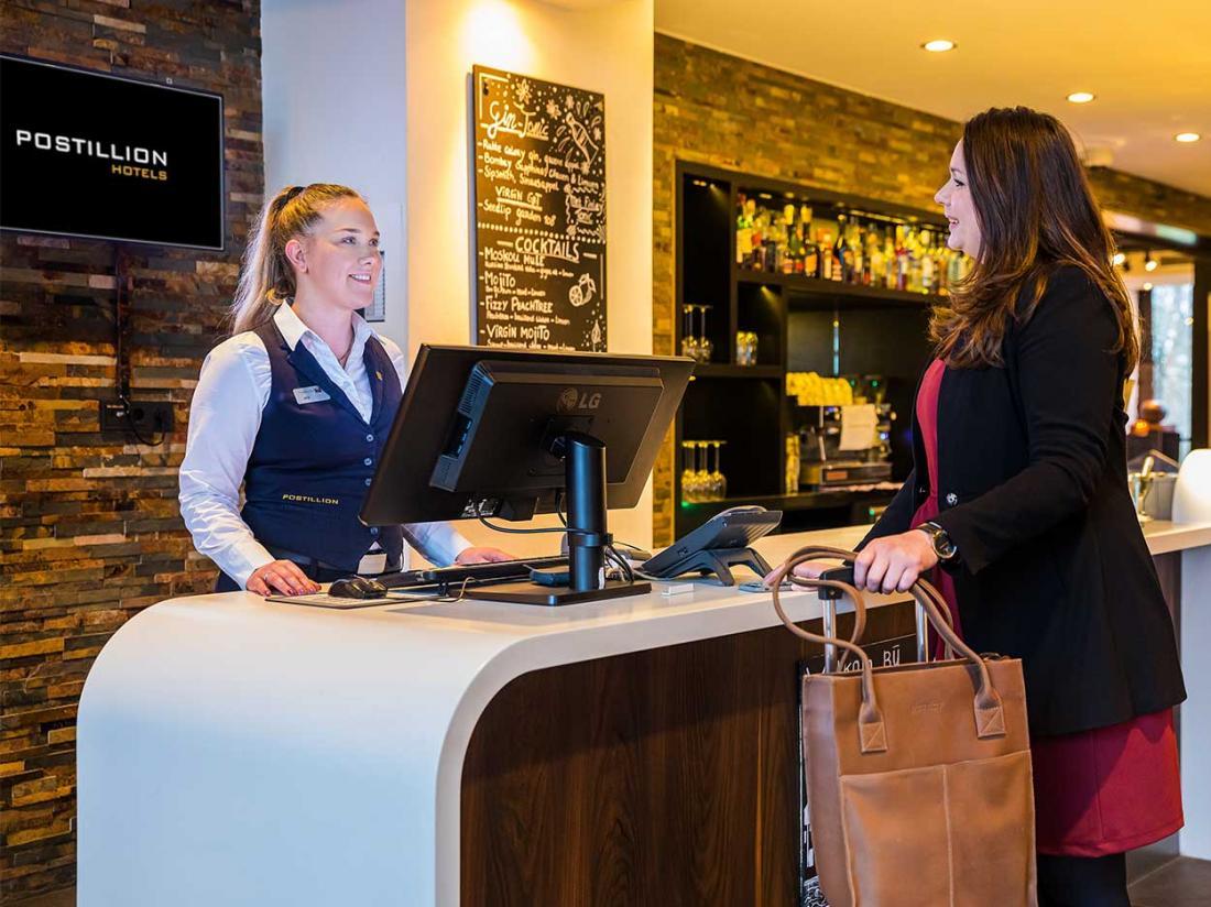 receptie hotelaanbieding Postillion Hotel Deventer