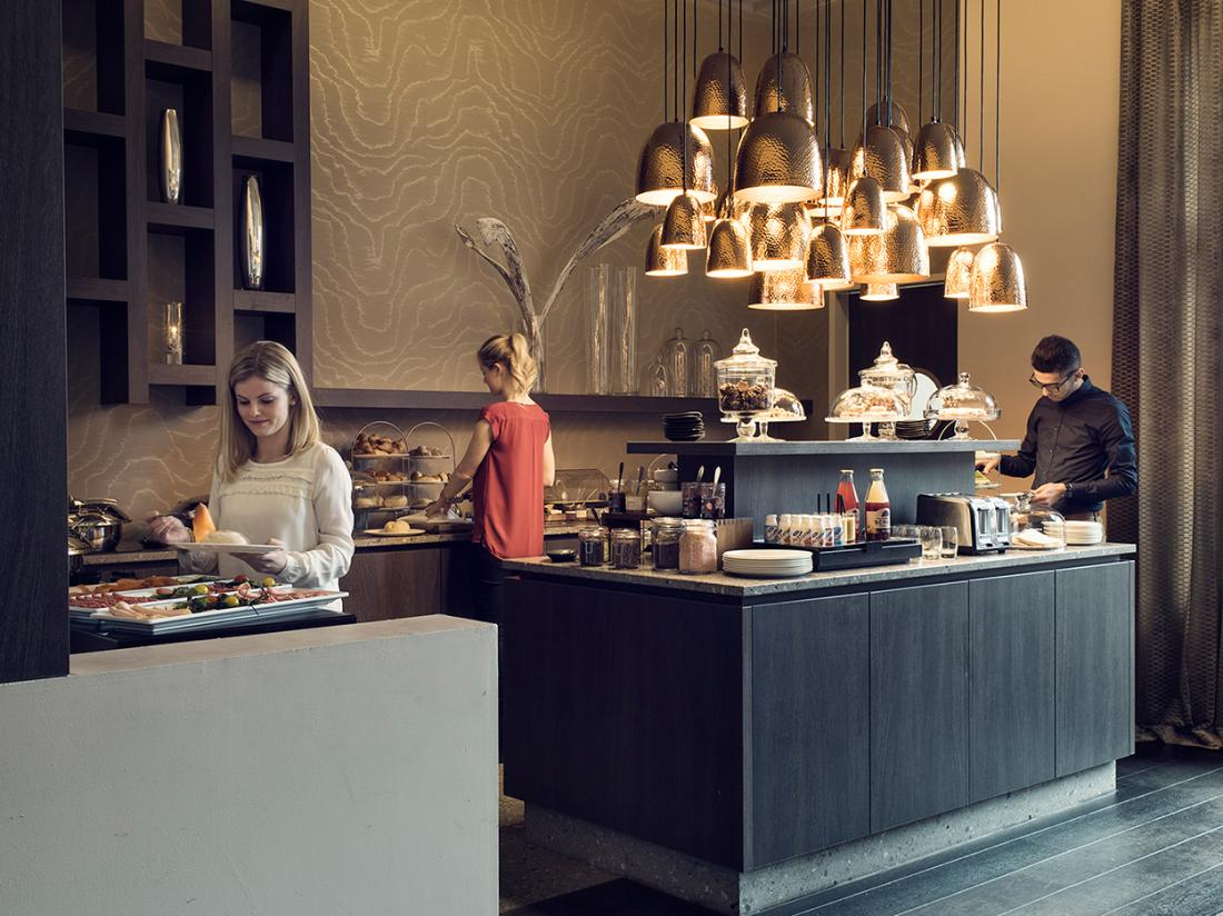 Ontbijt buffet hotel overnachting