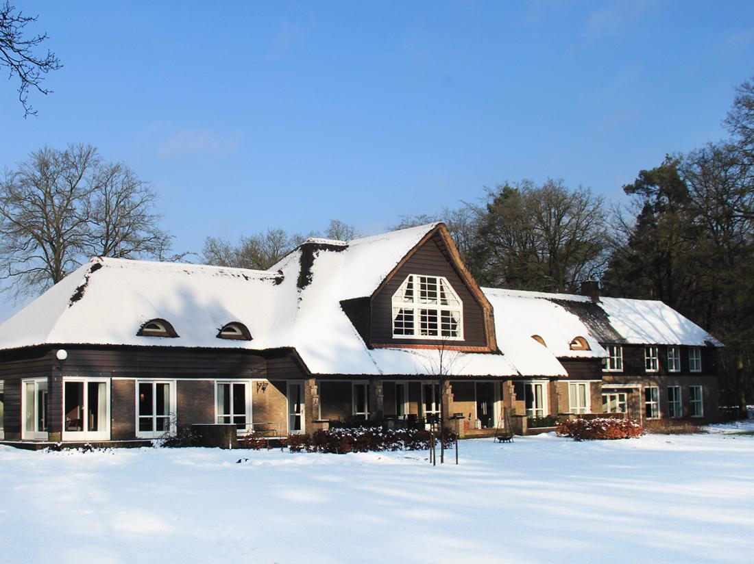 Landgoed Hotel Woodbroke Exterieur winter