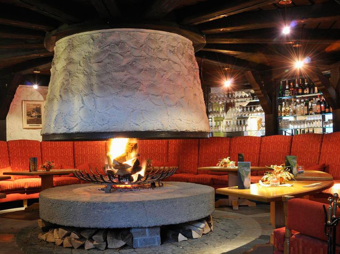 Hotel Lochmuhle Mayschoss Vuur