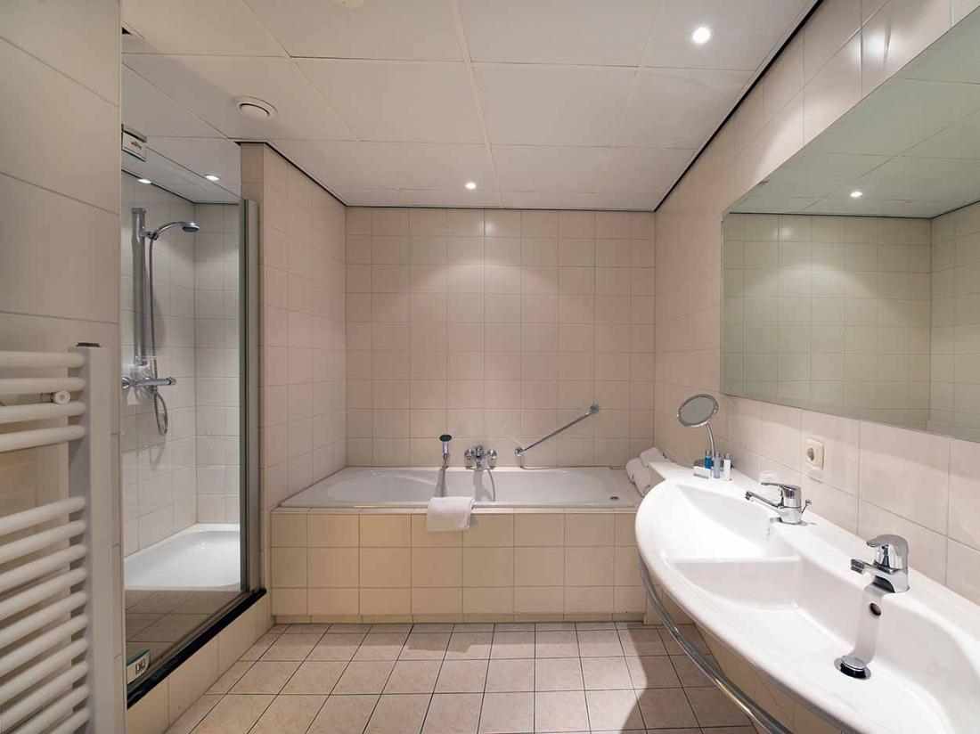 Boshotel Vlodrop Limburg Hotel Interieur Suite Badkamer