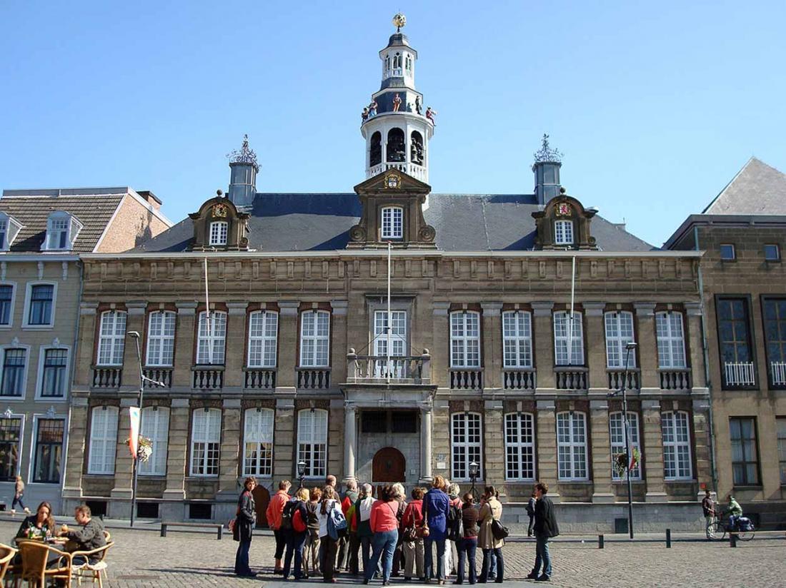Boshotel Vlodrop Limburg Omgeving Markt Rondleiding Roermond