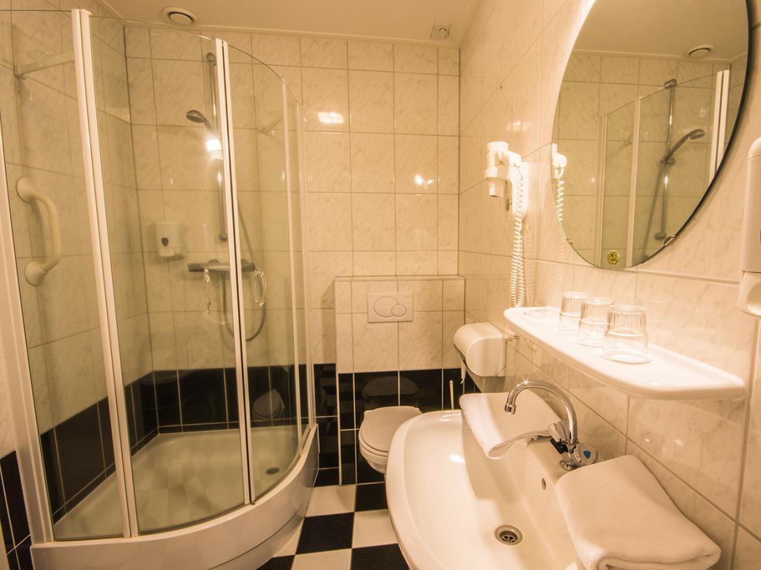 Hotelaanbieding Drenthe Badkamer