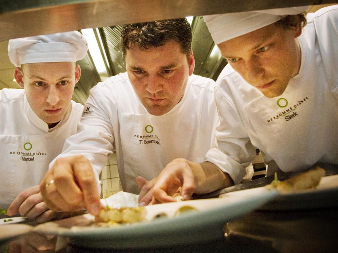 Hotelaanbieding Klein Zwitserland Heelsum Restaurant Keuken
