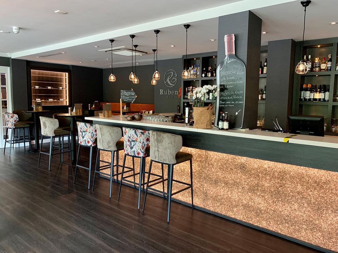 Golden Tulip Leiden Centre Hotelovernachting Bar