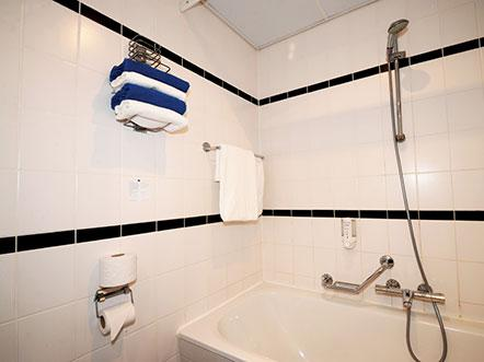 Hotelaanbieding Heerenveen badkamer