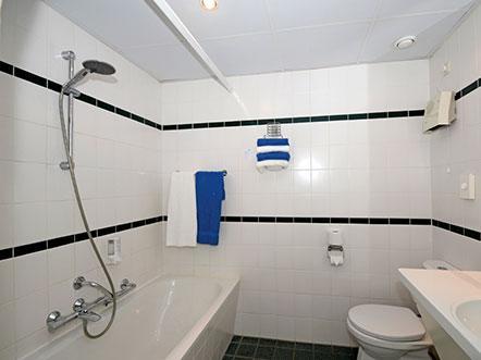 Weekendjeweg Heerenveen badkamer