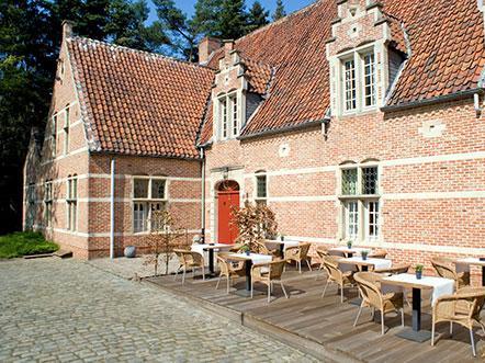 Hotel Keravic Lichtaart Vlaanderen aanzicht