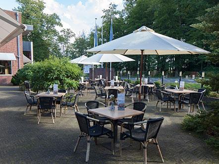 Fletcher Hotel Restaurant De Grote Zwaan Overijssel Terras