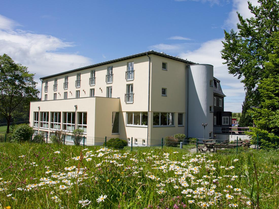 Hotelaanbieding Hotel Haus Oberland Voorzijde