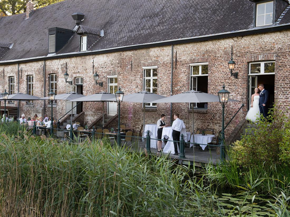 Kasteel Daelenbroeck Limburg terras