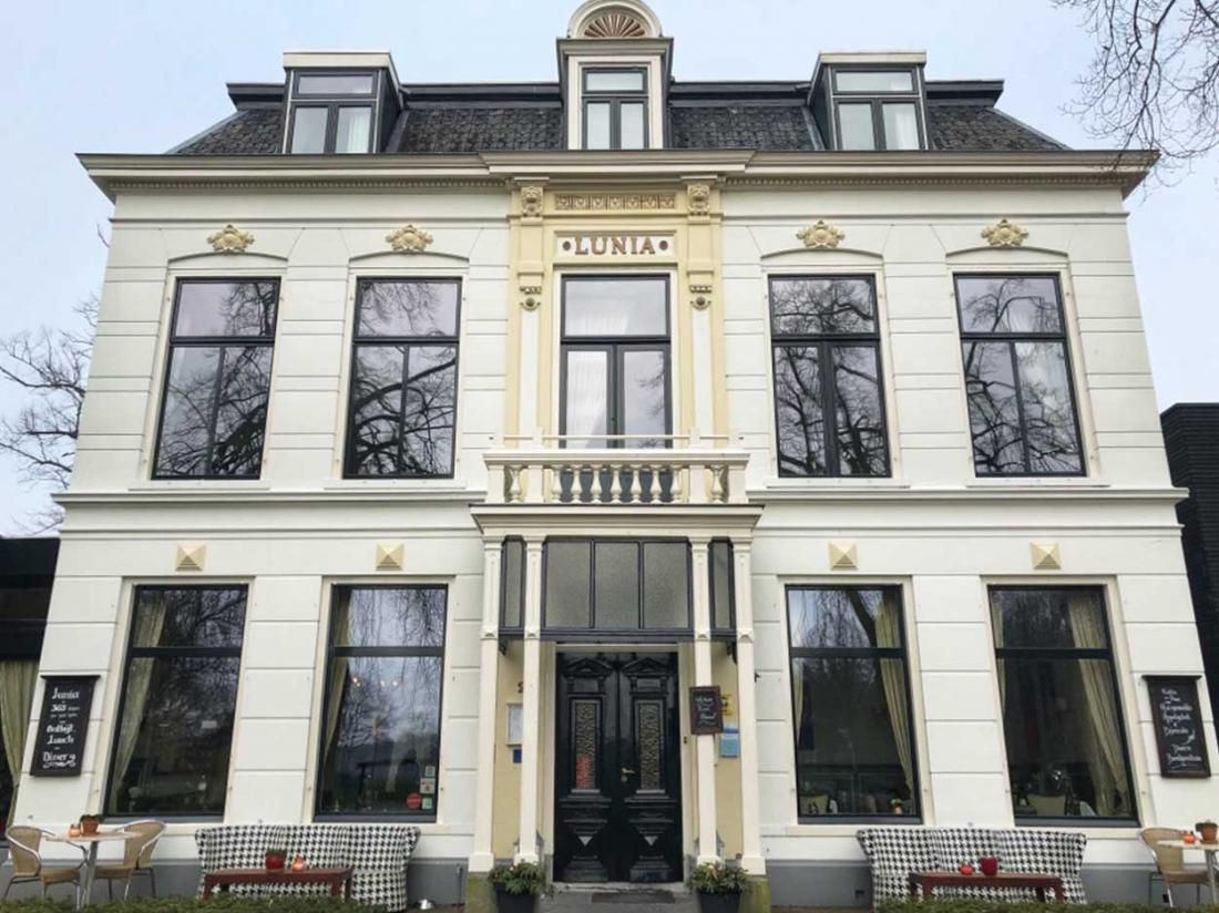 Hotel Lunia friesland Oldeberkoop Drents Fries voorkant
