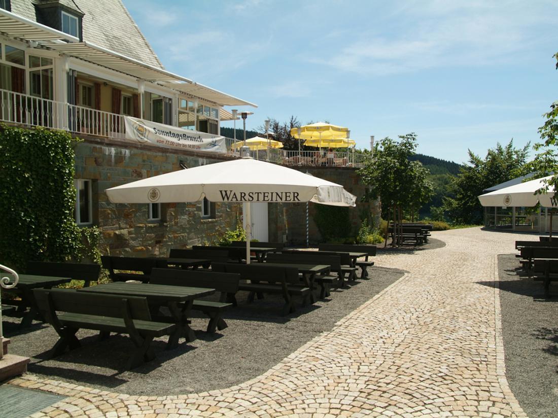 welcome hotel Meschede Mennesee biergarten