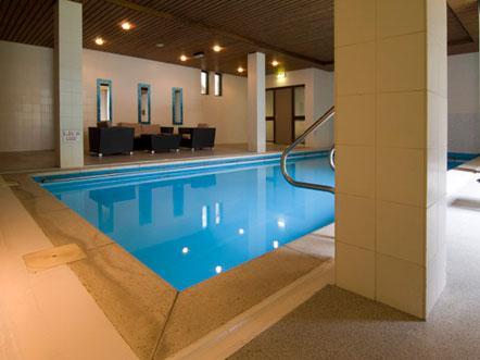 Zwembad West Nijmegen : Hotelarrangement hotel fletcher parkhotel val monte in berg en dal