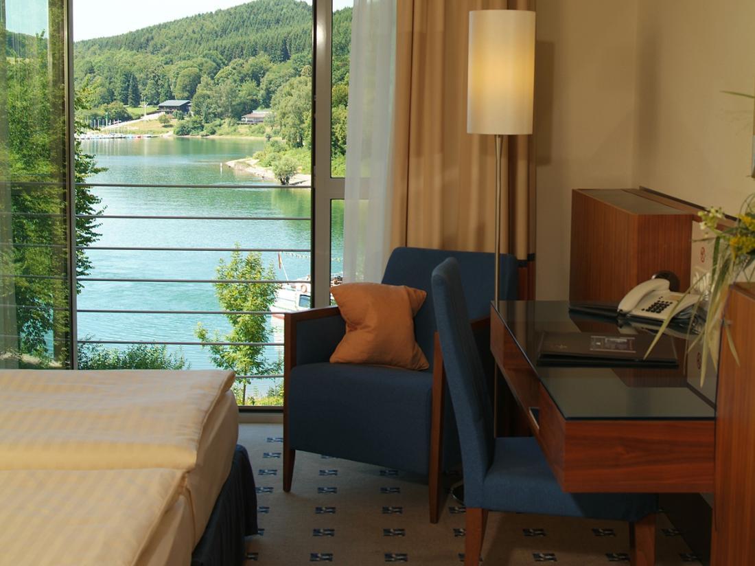 welcome hotel Meschede Mennesee hotelkamer zeezijde
