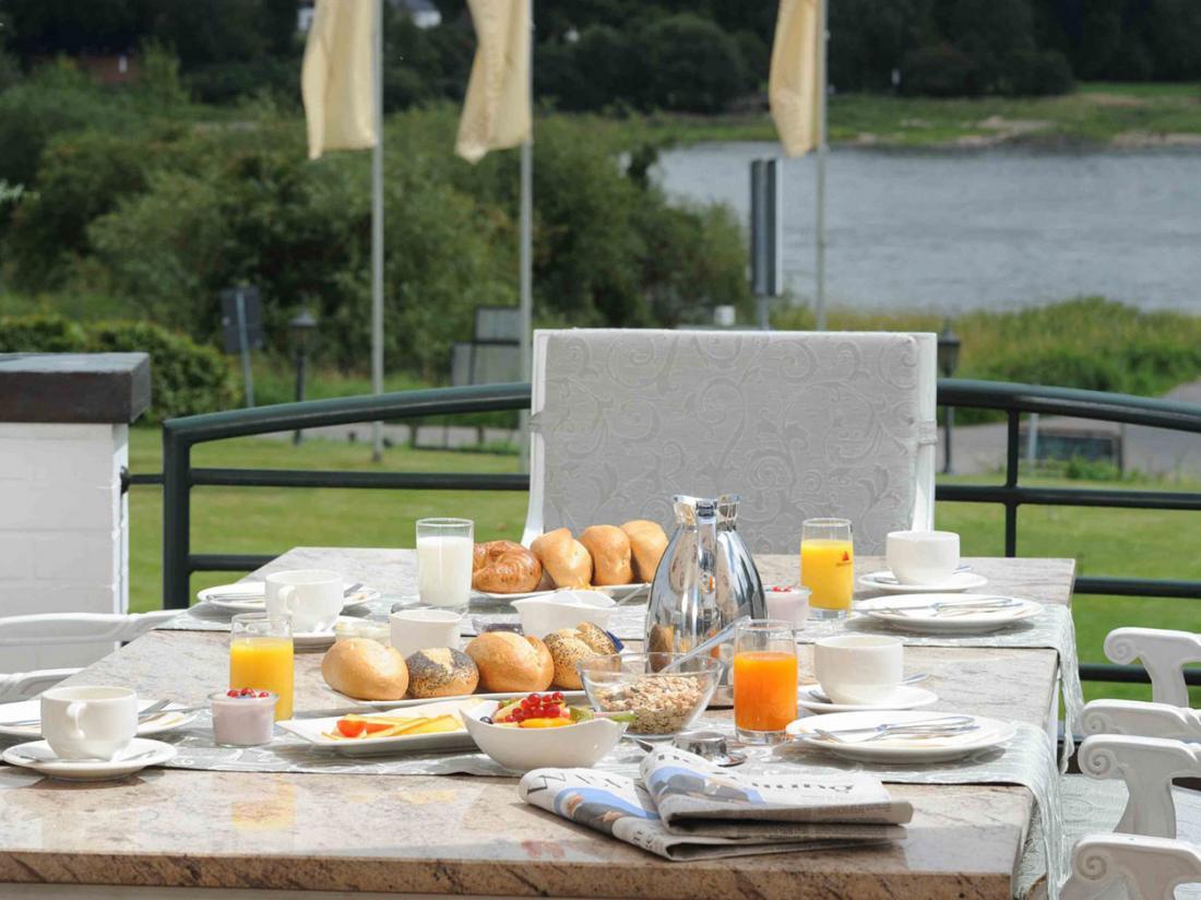 Rheinhotel Vier Jahreszeiten Meerbusch Ontbijt