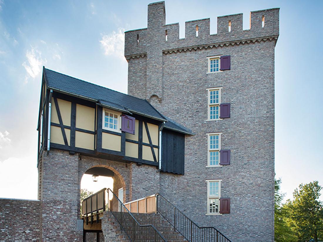Kasteel Daelenbroeck Limburg toren