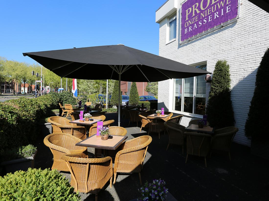 Hotel dePostelseHoeve Tilburg TerrasSchaduw