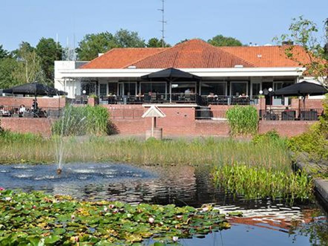 weekendjeweg resort bad boekelo twente hotel aanzicht entree