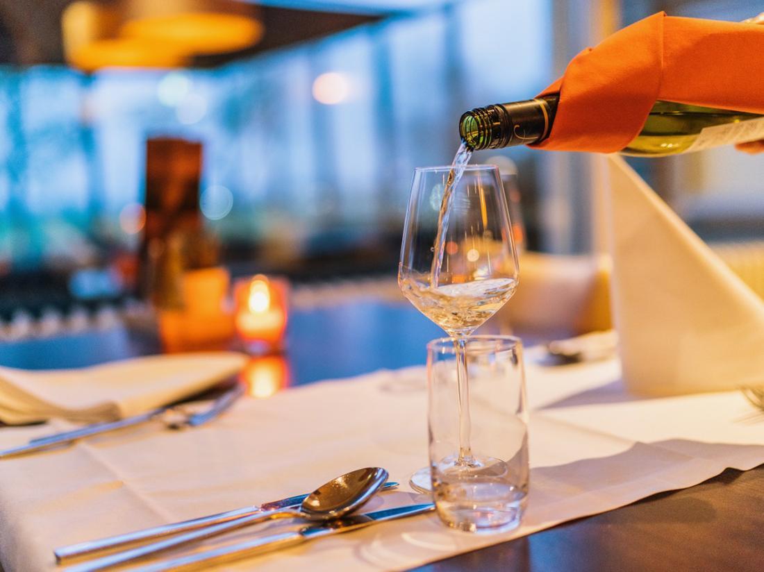 Nescio Hotel Groningen Weekendjeweg Diner Wijn